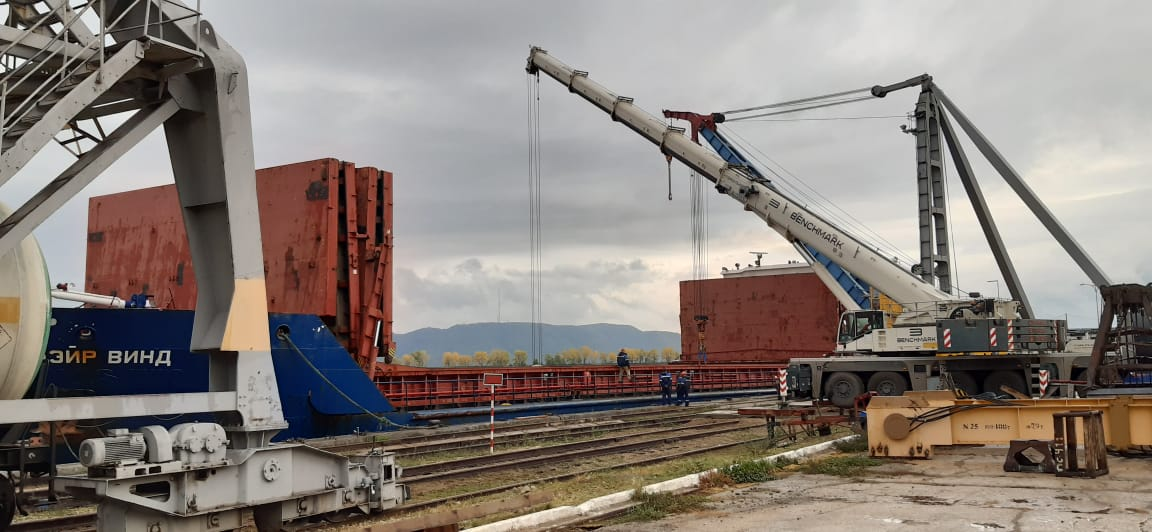 Перевозка оборудования и деталей для завода по производству мочевины